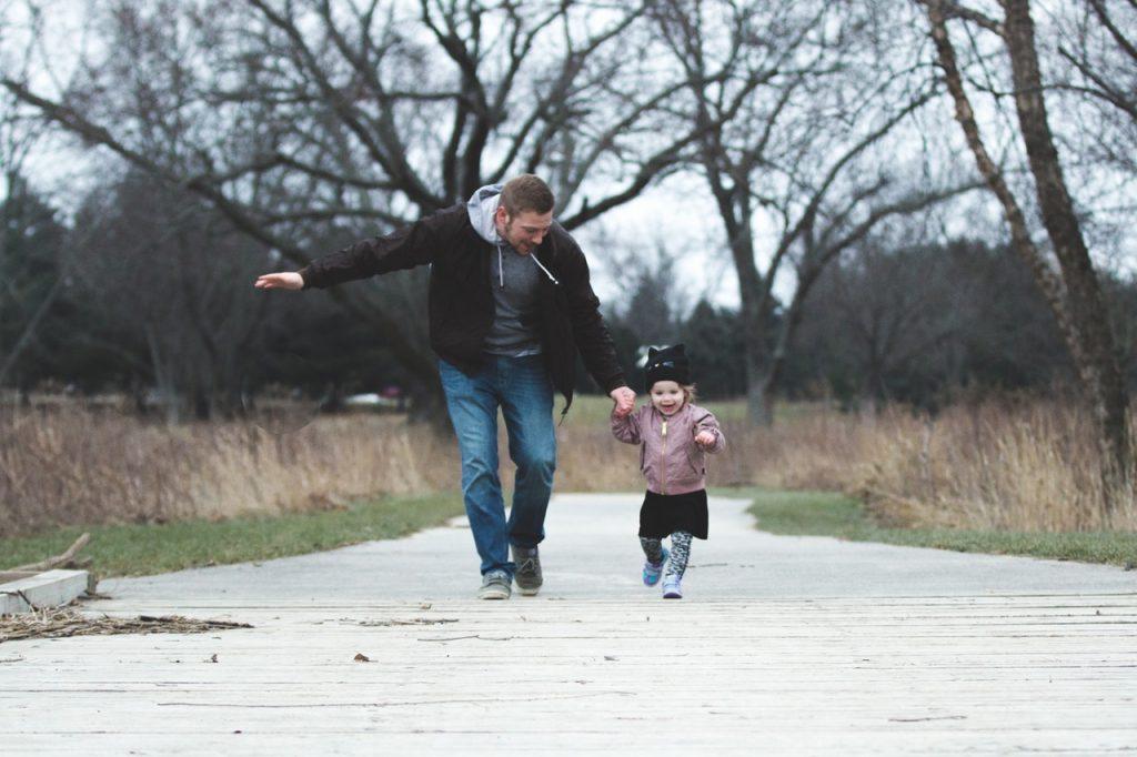gaya kelekatan orang tua dan anak
