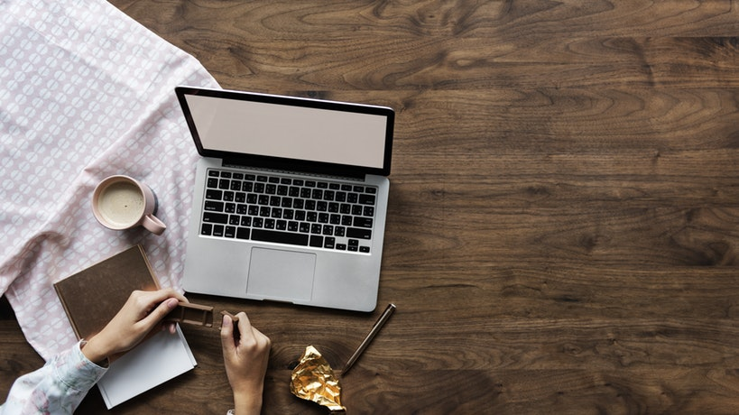 Cerita menjadi seorang blogger, kisah menjadi blogger, makna hidup dari seorang blogger, manfaat menjadi blogger, suka duka menjadi blogger, mebangun blog, hidup menjadi blogger, menulis di blog